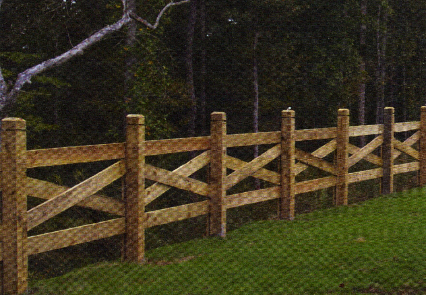 Pine Sawbuck Fence With Decorative Posts